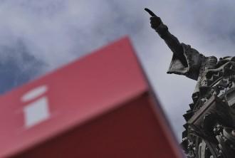 Vés a: La CUP es queda sola en la proposta de retirar el monument de Colom