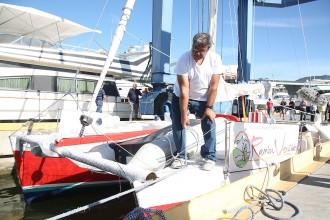 Vés a: El catamarà d'en Pepe ja navega per Roses tres anys després que comencés el projecte