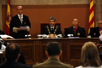 Vés a: Fernández Díaz condecora el president del TSJC però Barrientos rebutja la distinció