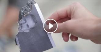 Vés a: VÍDEO Els joves de l'esquerra independentista desafien la Fiscalia cremant fotos del rei