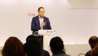 Vés a: Sánchez s'atrinxera i s'escuda en el reglament del PSOE per no dimitir