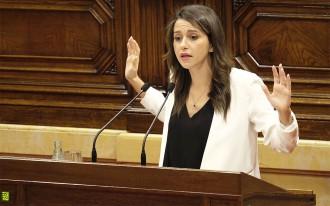 Vés a: Arrimadas branda els «controls democràtics» per frenar el referèndum