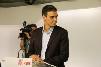 Vés a: Pedro Sánchez dimiteix i promet ser «lleial» a la gestora