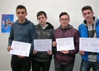 Quatre alumnes de l'Escola Arrels reben les Certificacions CISCO de Sistemes microinformàtics
