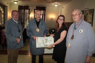 La Confraria del Bacallà concedeix al restaurant El Buffi el títol Fogons d'Honor