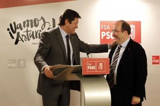 Vés a: PSOE-PSC: discrepància pactada per salvar la pantalla de la investidura