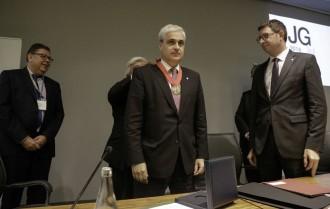 Vés a: Germà Gordó rep la Medalla d'Or del  Consell de l'Advocacia Catalana