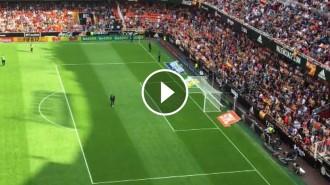 Vés a: VÍDEO Mestalla rep Paco Alcácer amb xiulets i una forta esbroncada