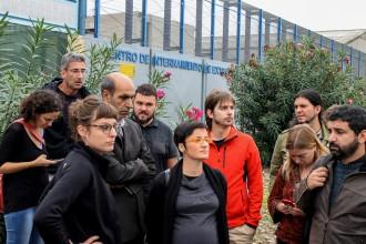 Vés a: La vaga de fam al CIE de la Zona Franca reactiva la pressió per tancar-lo