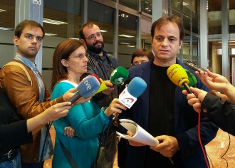 Vés a: Barcelona dictarà en uns dies l'ordre de precinte del CIE de la Zona Franca