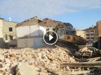 VIDEO: Enderroc de l'habitatge de la Caputxina