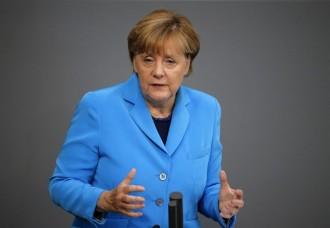Vés a: Merkel espera que es trobi una solució «dins de la Constitució espanyola»