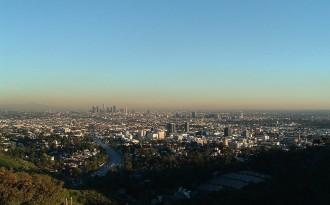 Enterren a Los Angeles 1.430 cadàvers que ningú no va reclamar
