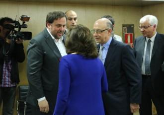 Vés a: Els funcionaris de la Generalitat cobren la nòmina després que Hisenda ho autoritzi
