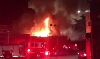 Vés a: Les autoritats temen la mort de 40 persones en l'incendi de Califòrnia