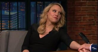 Una actriu de «Caçafantasmes» promociona el tió en un programa de gran audiència als EUA
