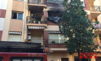 Vés a: Dues persones resulten ferides de poca gravetat en l'incendi d'un pis a Vila-seca, al Tarragonès
