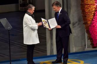 Vés a: El president colombià Juan Manuel Santos rep el premi Nobel de la Pau