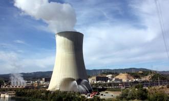 Vés a: La central nuclear Ascó I, en prealerta per l'incendi d'uns interruptors