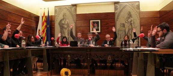 Tots els grups polítics aproven l'adquisició del Camp del Serra i l'immoble de l'antiga Caixa Penedès