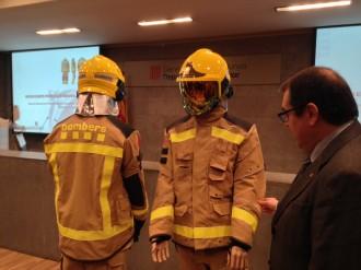 Vés a: Els Bombers de la Generalitat renoven tots els uniformes i vestiran de color mostassa