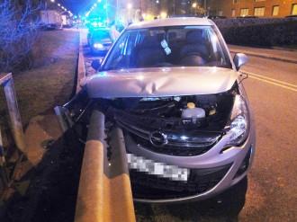 Vés a: Un home estavella el seu cotxe i triplica la taxa d'alcoholèmia a Sabadell