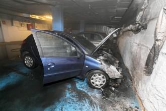 Vés a: Crema un cotxe en un pàrquing de Sabadell i obliga a desallotjar un edifici