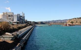 Vés a: Flix identifica cinc nous possibles punts contaminats per Ercros al municipi