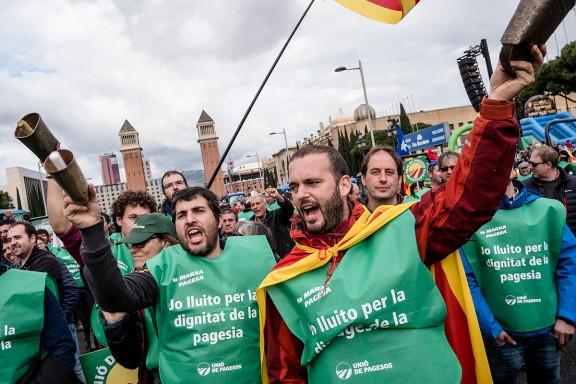 La Marxa Pagesa supera totes les expectatives: més de 500 tractors es planten a Barcelona