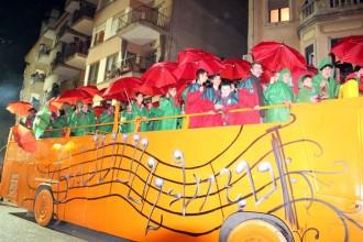 Arribada multitudinària i espectacular del Carnestoltes de Solsona