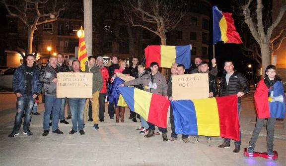 Romanesos de Solsona protesten contra la despenalització de la corrupció al seu país