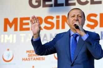 Vés a: Erdogan adverteix a la UE que cap europeu estarà segur si manté l'actitud hostil amb Turquia