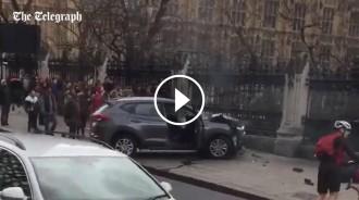 Vés a: VÍDEO El cotxe implicat en l'atac al Parlament britànic fumejant