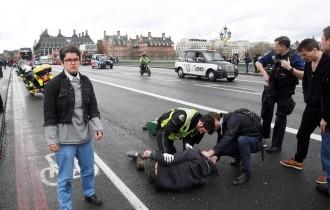 Vés a: Quatre morts i vint ferits a Londres en l'atac terrorista a les portes del Parlament britànic