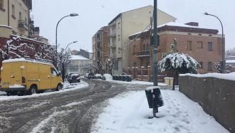 Vés a: La neu causa complicacions en el trànsit i talls de llum al Pallars Jussà