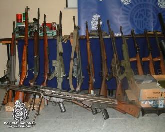 Vés a: La Policia Nacional s'ha deixat robar 33 armes de les seves comissaries en 6 anys