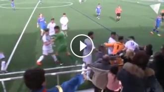 Vés a: VÍDEO Nova baralla entre pares i jugadors en un partit de futbol juvenil, ara a Andorra