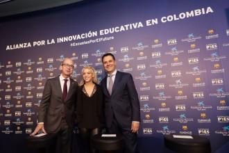 Vés a: Shakira, el Barça i la Caixa obriran una escola a Barranquilla