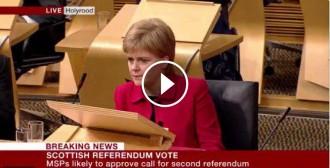 Vés a: El Parlament d'Escòcia aprova negociar un segon referèndum d'independència