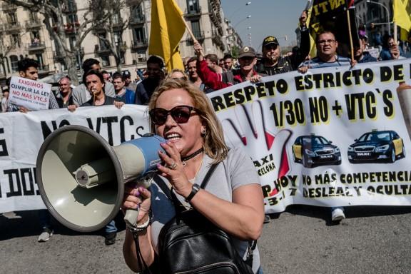 Taxistes contra els «serveis pirata»