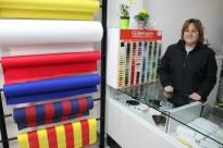Els veins del barri de Sant Salvador donen la benvinguda a un renovat taller de costura