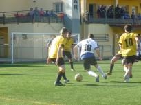 Una dotzena d'equips juguen aquest dissabte les VII 12 Hores de Futbol 7 de Setmana Santa