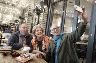 Vés a: Rahola, Cirici i Theros marquen l'inici del Sant Jordi més literari
