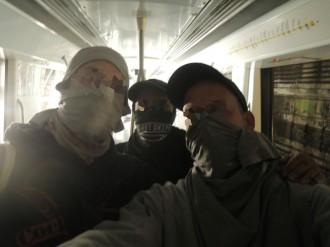 Vés a: Detinguts dos grafiters per pintar al metro de Barcelona