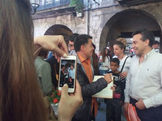 Vés a: Martí Gironell celebra els deu anys d'«El Pont dels Jueus» signant llibres a Girona