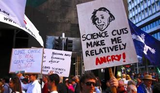 Vés a: El món científic, en peu de guerra contra les polítiques de Trump