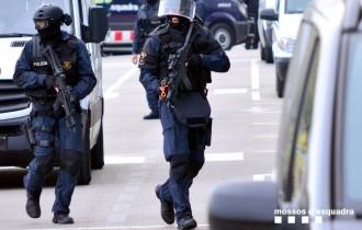 Vés a: El grup d'operacions especials dels Mossos multiplica efectius en plena alerta terrorista