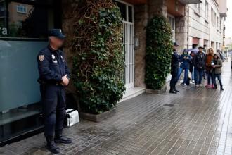 Vés a: La Policia Nacional escorcolla domicilis i despatxos dels Pujol per investigar la fortuna familiar