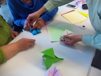 Programen un nou taller familiar d'origami a la biblioteca solsonina després de l'èxit de l'any passat