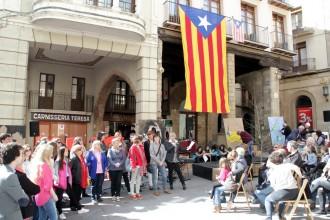L'Assemblea recull a Solsona 603 signatures a favor del referèndum